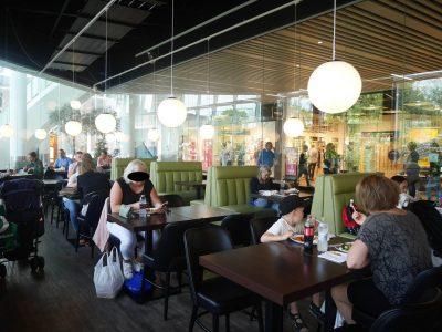 Det Grønne Køkken med folk i restauranten